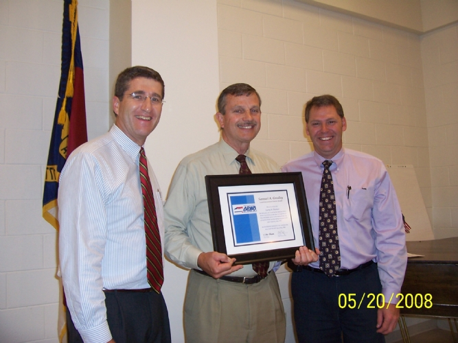 Greeley Award - Larry Thomas 1 2008.jpg